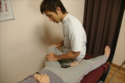 検査[2](筋肉や関節の動きをチェック)