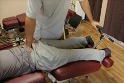 日本国内に100台ほどしかない腰の施術専用ベッド導入