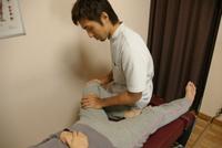 筋力バランス、腰の動きを均等にするよう施術します。